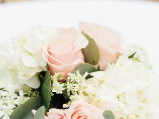 JuneBug Floral Design 2