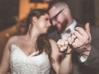 Hand Heart and Crown Weddings 5
