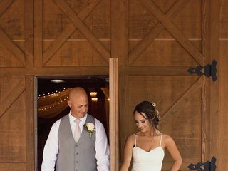 Moore Farms Rustic Weddings & Event Barns 1