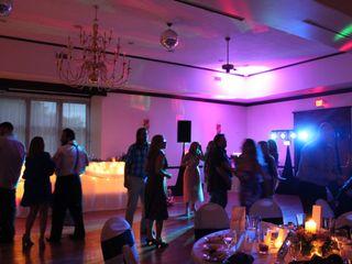 Premium Soundz DJ Service 3