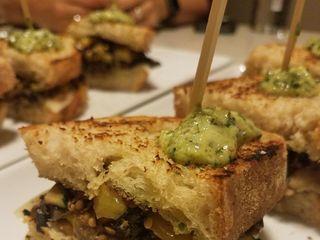 Juli y Juan's Kitchen 5
