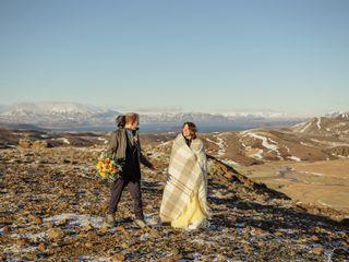Photos by Miss Ann / Iceland Wedding Planner / Your Adventure Wedding 1