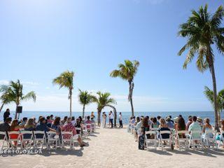 Postcard Inn Beach Resort & Marina 1