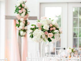 Accent Floral Design 2