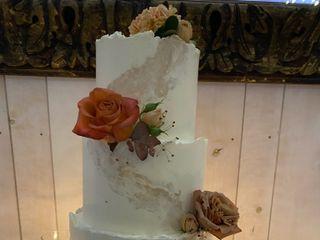 Custom Cakes by Tara 2