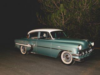 Roscoe & Louie Classic Car Transportation 1