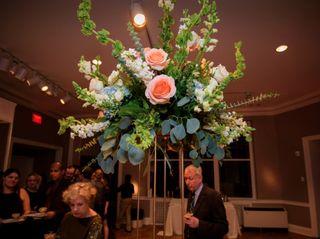 LYNN DOYLE FLOWERS & EVENTS 3