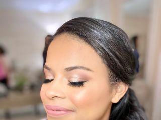 Gloss Beauty Bar 4