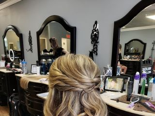 Vanity Salon 2
