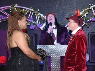 ROCK and ROLL WEDDING CHAPEL 2