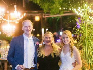Weddings by Lisa Yarbro 4