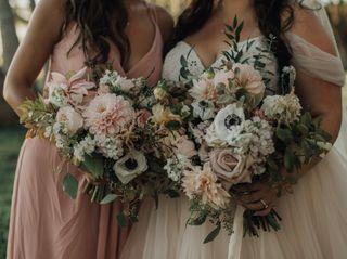Dellables Wedding Florals and Design 3