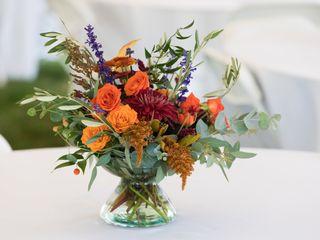 Artistic Blossoms Floral Design Studio 5