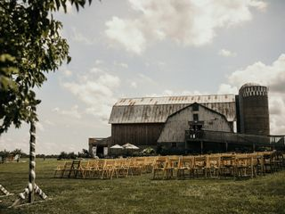 The Barns of Lost Creek 5