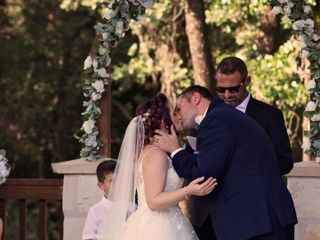 Facchianos Bridal and Formal Attire 4