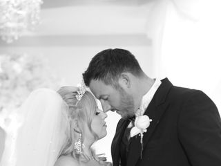 Ron Wood Photography, Video & DJ Services 4