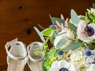 Artistic Blossoms Floral Design Studio 6