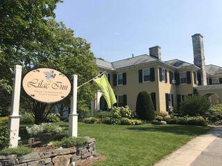 Lilac Inn 7