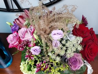 Ilienne Florals, Ltd 2