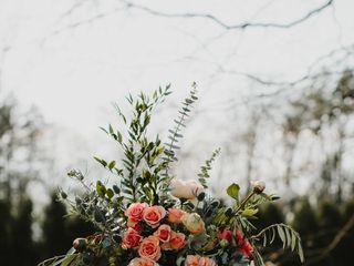 Viridescent Floral Design 7