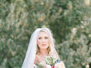 Brandi Nicole Floral Designer 2