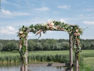 Kallmyers Custom Florals 3