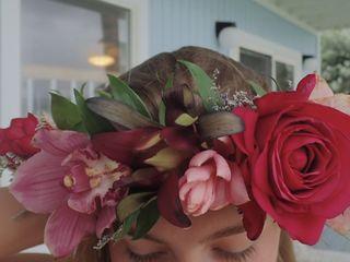 Lulu's Lei + Bouquets 3