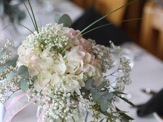 Felthousen's Florist & Greenhouse 4