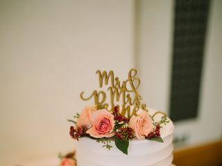 Gwen's Cake Decorating & Etc. 4
