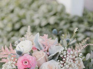 Floral Designs of Mount Joy 7