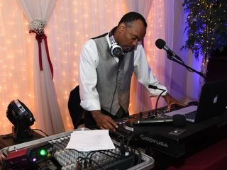 Master Productions Disc Jockey and Lighting Service 3