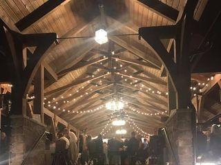 Dancing Bear Lodge & Appalachian Bistro 5