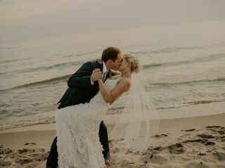 Great Lakes Wedding Gown Specialists 5