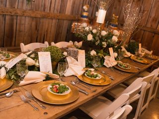 Shabby and Chandeliers Event Service 6