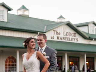 Maneeleys Banquet & Catering and The Lodge at Maneeley's 4