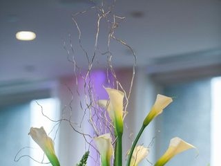 A Man and A Woman Floral Design 6