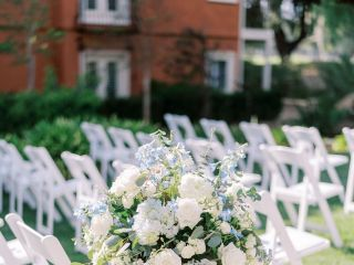 Lori's Flowers - Weddings & Events 5