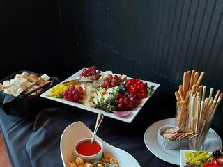 310 Lakeside & Park South Restaurants 1