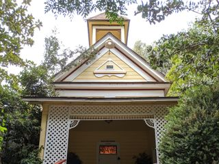 Twin Oaks House & Gardens 3