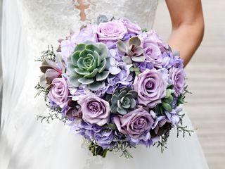 Dream Designs Florist and Wedding Boutique 6
