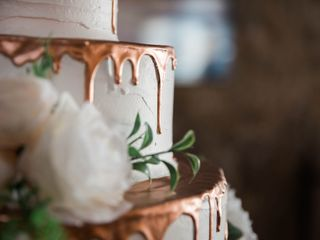 Custom Cake Design 2