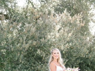 Brandi Nicole Floral Designer 3