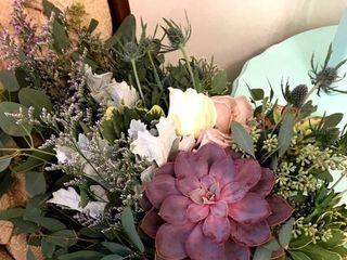 Stems Floral 4