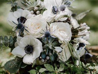 Fleur de lis Florist 2
