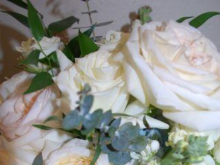 LYNN DOYLE FLOWERS & EVENTS 1