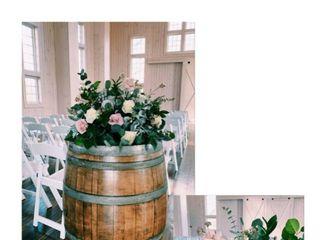 Little Miss Lovely Floral Design & Event Decorating 4