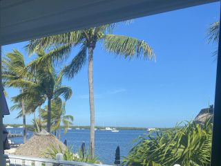 Coconut Palm Inn 5