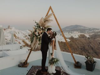 Weddings & Whimsy - Santorini, Greece 1