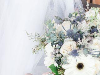 Shannon Loves Flowers 3