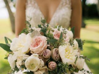 Lois Hiranaga Floral Design LLC 2